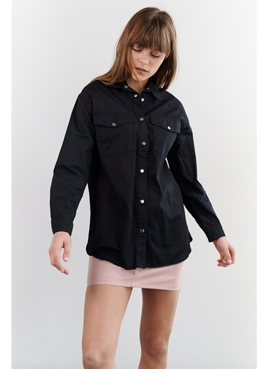 Levure Çıt Çıt Düğmeli Oversize Gömlek Siyah